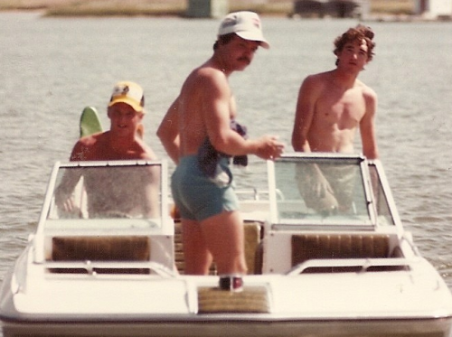 "ritasfernbar:  tylercoates:  Sorry, still Googling ""70s boating"" because I'd really like to take a time boat to 1978.  ""On our way to Rita's by the Sea!"" (Rita's by the Sea is the waterfront outpost of Rita's Fern Bar. But you knew that.)  Fern Bar Era: When straight men had asses!!"