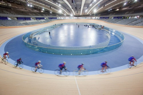 London 2012 Velodrome / Hopkins Architects (via ArchDaily)