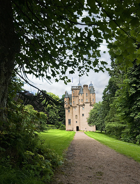 Scotland Craigievar Castle _DSC10239 by youngrobv on Flickr.