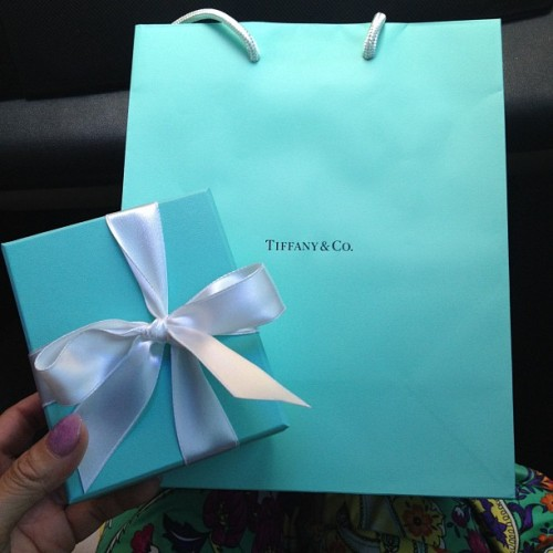 His anniversary gift to me..he got me Tiffany this year!! A girls favorite 💝 #anniversary #gift #love #tiffany&co #favorite #love #surprise  (Taken with Instagram)