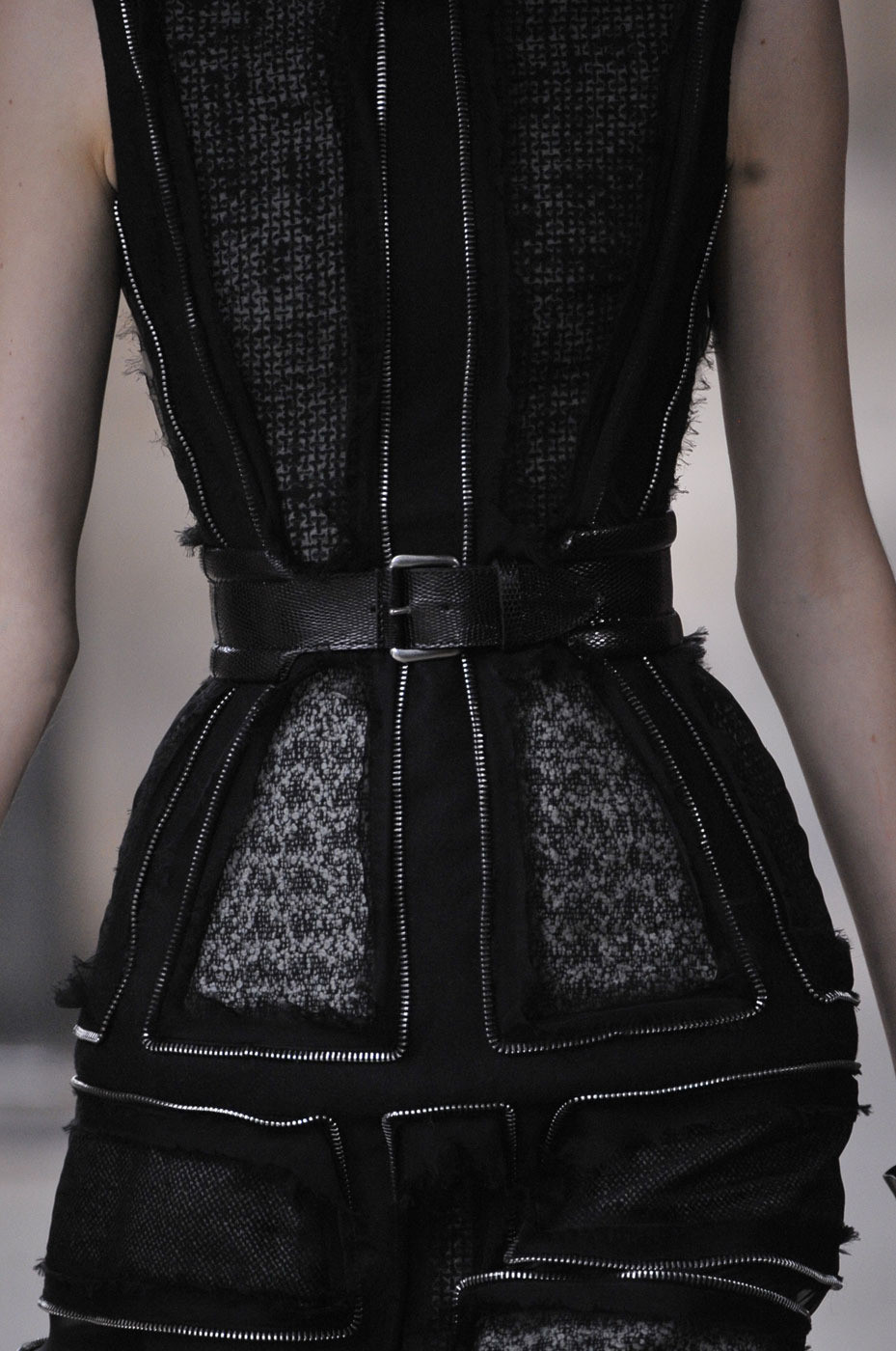 metamorphosis-style:  Alexander McQueen Paris Fall 2011