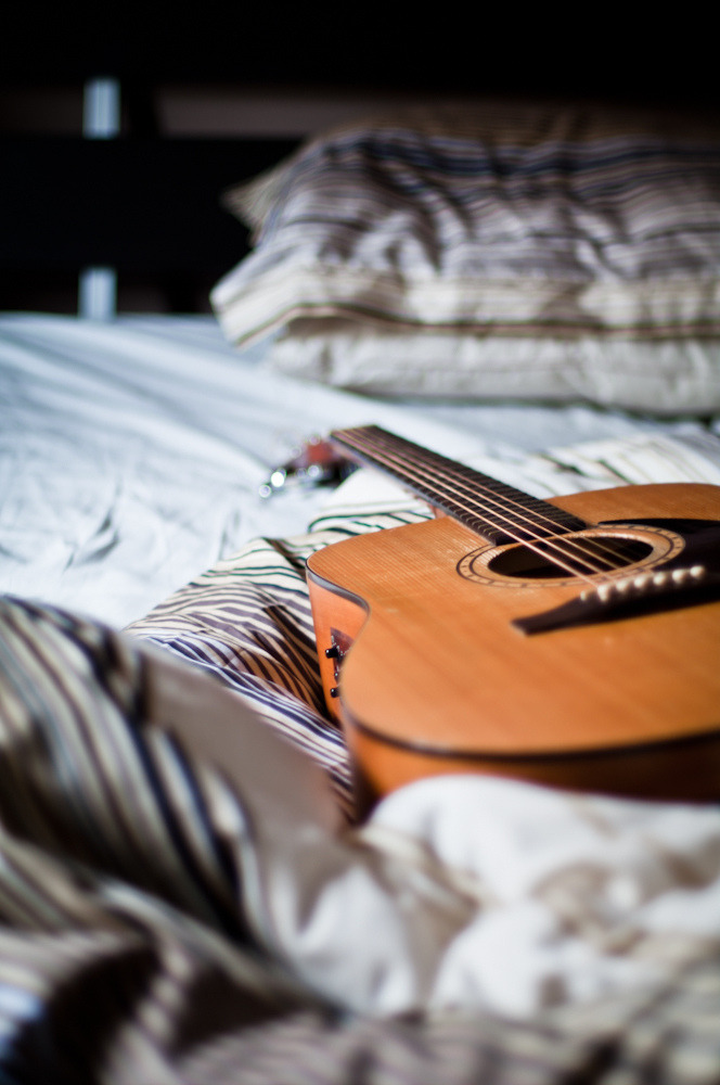 hellanne:  good morning guitar (by johan sweden)