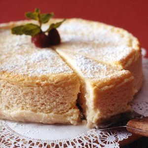 Daily Bite: Rich and creamy Italian Cheesecake! Enter to win $12,000 for a trip for 4 to Italy! #RRItaly