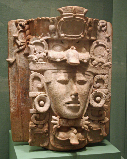 ancientart:  Ancient Pre-Columbian sculpture from the San Antonio Museum of Art, Texas.