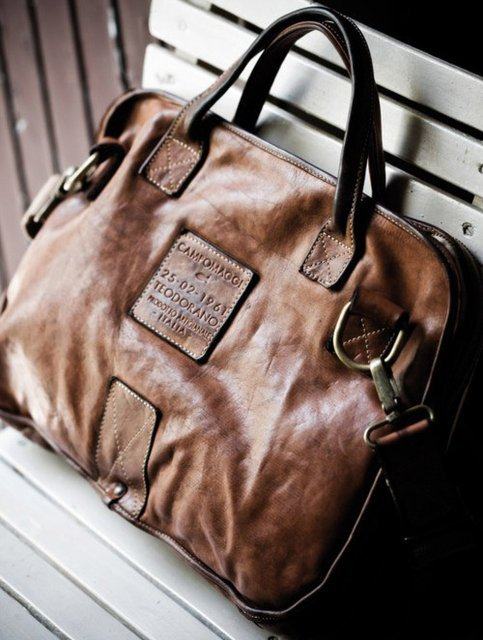 theclassyissue:  Italian Leather Document Bag by Campomaggi