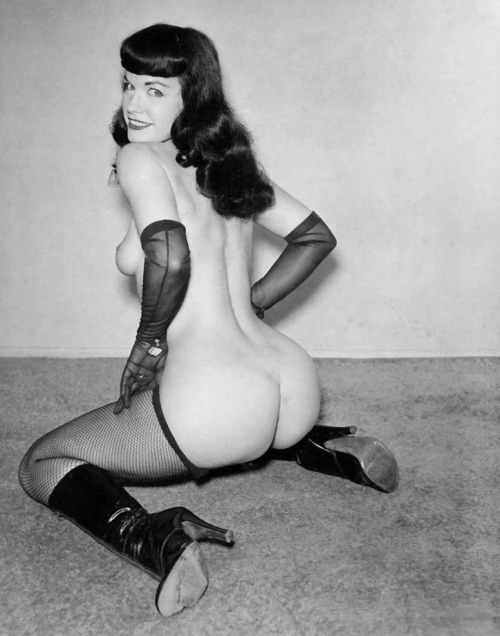 Damn you sexy bettie ♥