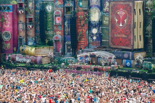 book porn The main stage at Tomorrowland music festival. [Tomorrowland, Belgium]