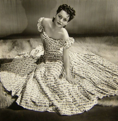 screengoddess:  Olivia De Havilland, photo by Hurrell