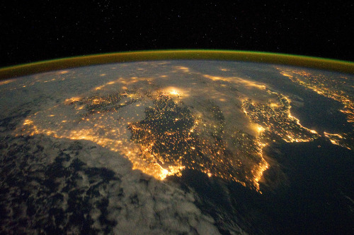 itsfullofstars:  NASA Goes to the Olympics  – View all the cities that have hosted the modern Summer Olympics, starting with Athens in 1896 thru London in 2012. There have been 29 Summer Olympic Games held in 22 different cities. Repeating host cities include Athens, Paris, London and Los Angeles. Credit: NASA/Goddard Space Flight Center  You look great from up there, London. Olympic Opening Ceremonies Tumblr sound-off!!Where ya from, followers?