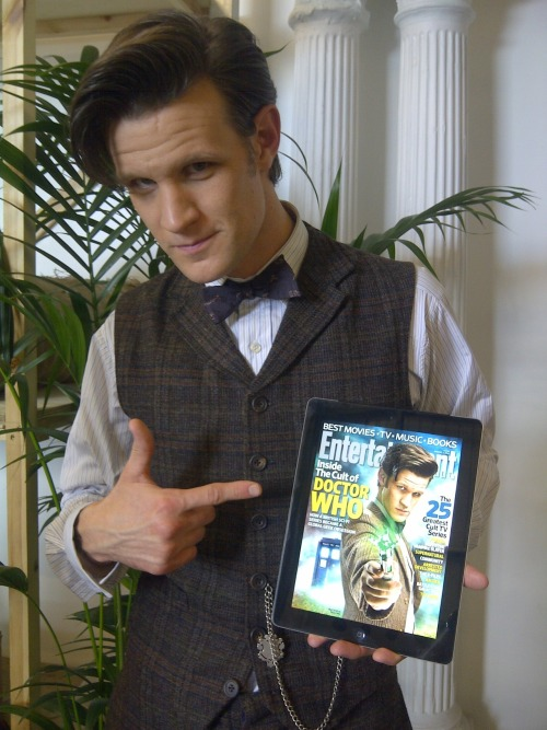 doctorwho:  The Doctor and The Doctor Matt checks out the Doctor Who cover of Entertainment Weekly.