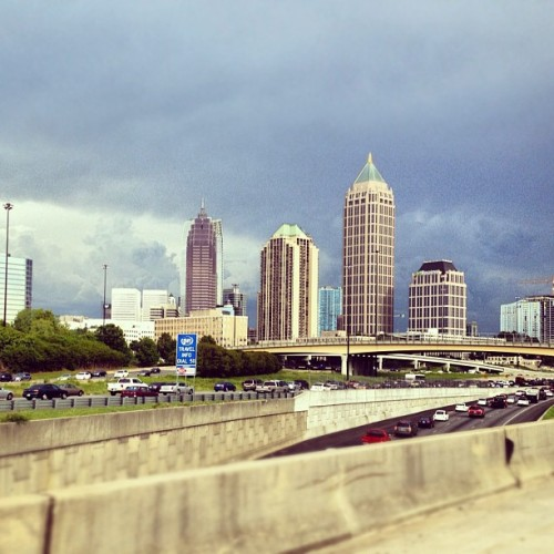 #day27 #ontheroad to Downtown #ATL shawty…. #photoadayjuly #atlanta #ridin #roadway #highway #85S #georgia (Taken with Instagram at I 85 at 17th St)