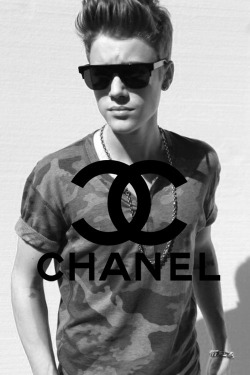 primabitch:  chanel and justin bieber perf