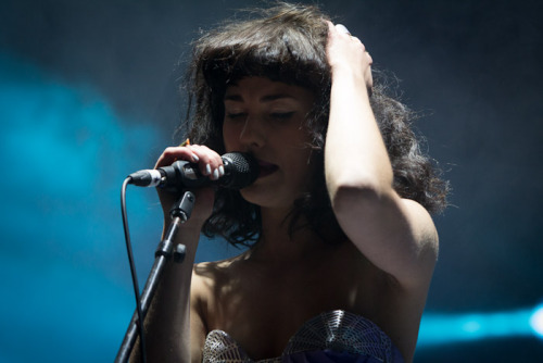Kimbra singing her heart out at Splendour