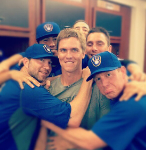 bonusbaseball:  @ScottMCBS:  Great Axford pic of #Brewers hugging Greinke goodbye http://tinyurl.com/c3875we #Crew