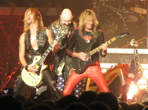 oklahomabackroom-starbreaker:  Richie Faulkner, Rob Halford, and Glenn Tipton on April 20, 2011