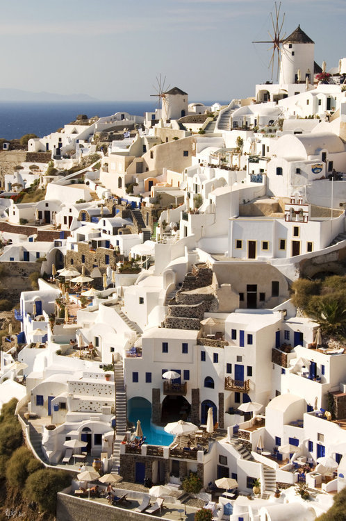 loveleiwonderland:  I've actually been to Santorini and it is as beautiful in real life as it is in the picture.