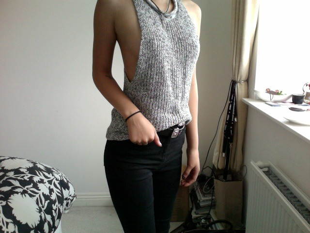 projectthree65:  top - urban outfitters jeans - river island belt - asos