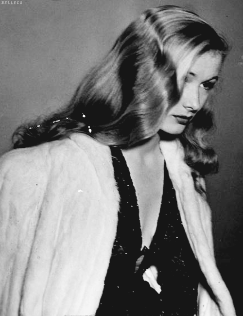 bellecs:  Veronica Lake, c.1942