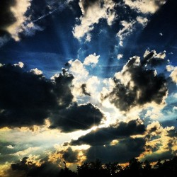 Beauty #nature #clouds #sky #sun #summer #saturday #random #igers #igpro #insta #igdaily #instahub #instagood #instamood #iphonesia #instadaily #iphoneonly #instagramhub #instagrammer #popular #photooftheday #follow  (Taken with Instagram)