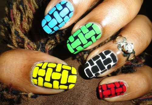 Basket Weave Nail Art (Olympic Ring Colors) Click on the Link to see Tutorial.