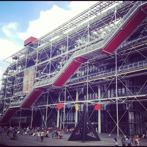@CentrePompidou. The best thing to come out of the 1970s, architecture or otherwise. Period. #rogerspiano (Taken with Instagram at Centre Pompodou, Paris)