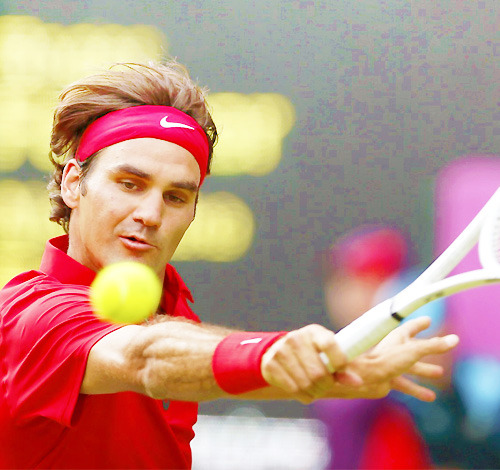 Roger Federer d. Alejandro Falla 6-3 5-7 6-3  I didnt like Roger today. He was very unfocused, he looked like tripping for somewhere else. Anyway, wonderful to passed through. Lets focused in the next match!  Some Stats 8 Aces, 1 Double Fault, 62% 1st Service, 5/13 Break Points, 44 Winners (18 FH, 10BH, 6 Volleys), 26 Unforced Erros, 18/23 Net Points Won  Next? Julian Benneteau #LetsPray