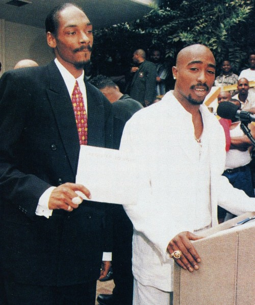 vivalatupac:  15 Aug 1996 with Snoop Dogg at the Brotherhood Crusade Rally photographed by Bill Jones
