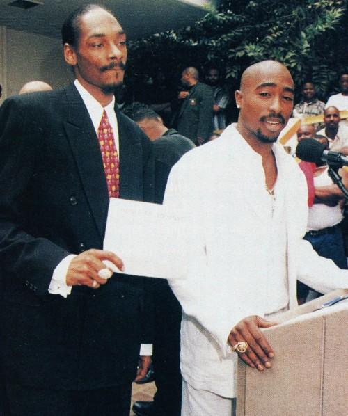 vivalatupac:  15 Aug 1996 with Snoop Dogg at the Brotherhood Crusade Rally photographed by Bill Jones
