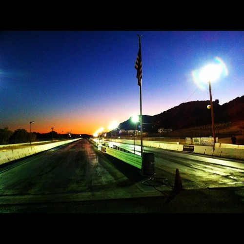 The track at #sunset ——————————————— ———————————————— - #ford #hotrod #ratrod #car #chevy #project #rust #rusty #patina #metal #igerssandiego #sandiego #california #mopar #musclecar #barona #baronadragstrip #dragracing #drags #eighthmile #kingofclubs #burnout #burlesque #bands #music #punk #rockabilly #flag (Taken with Instagram)