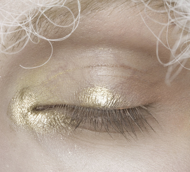rosettes:  John Galliano Spring/Summer 2009 Makeup