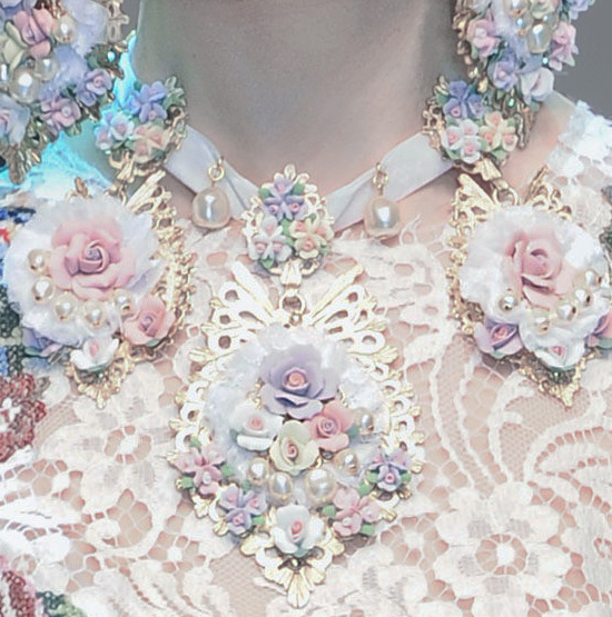 pinkacidd:  deprincessed:  Dolce & Gabbana F/W 2012 RTW detail  I have been looking this closeup detail fo-whillle now
