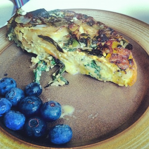 @biketobrew made #frittata for #breakfast ^__^ #foodporn #eggs #blueberry #fruit #juicy  (Taken with Instagram)