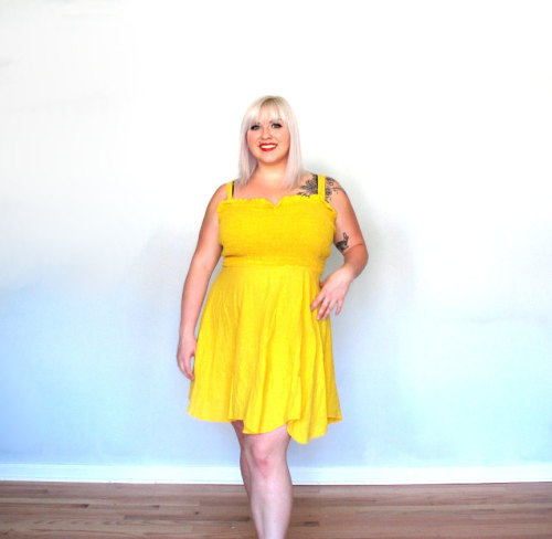 New lower priced on TOH ! Plus size and every size vintage clothing around $35!