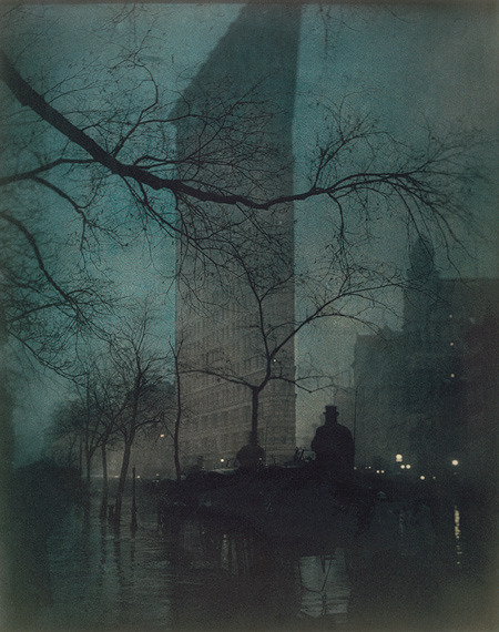 man I love this poboh:  The Flatiron, 1904, Edward Steichen. American, born in Luxembourg (1879 - 1973)