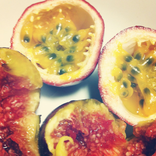 Personally, in these photos, the passion fruit namely (aside from the figs) look unsightly. But in all honesty, they are one of the best fruit alive! My favourite in fact! I've never found one in Canada though (in the supermarkets, I mean). I've only eaten in three occasions in my life. Each time I had to leave the country!