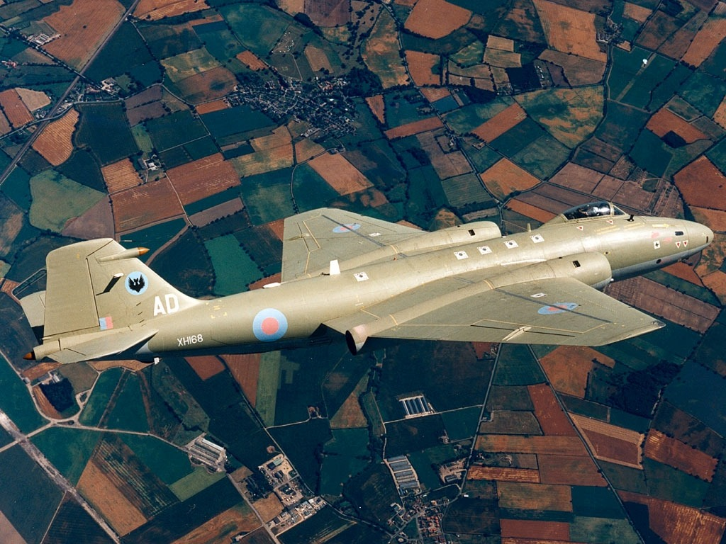 planeshots:  English Electric Canberra PR9