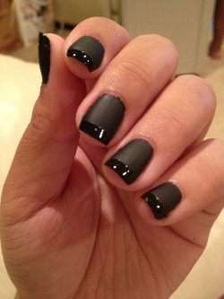 megannesque:  I rarely ever wear black nails but I like this