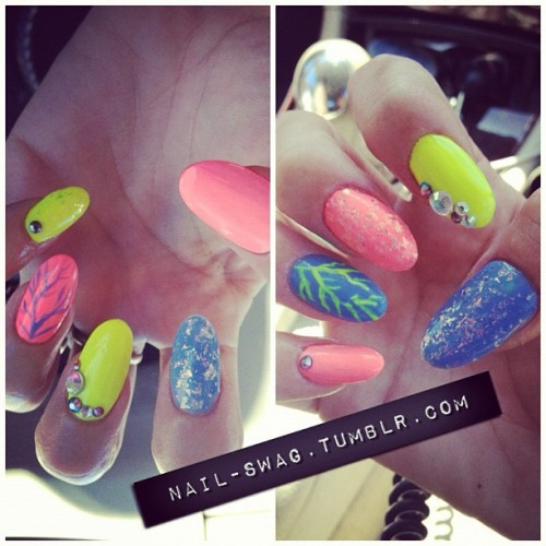nail-swag:  NEON MER NAILS #nailswag #swag #nailart #nails #nailartclub #LA  (Taken with Instagram)     Yessss