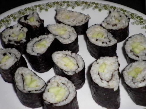Kappa maki! Made with fresh cucumbers. Some time ago, I just didn't get around to posting the picture. It was soooo tasty!