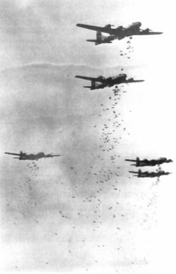 taco-man-andre:  B-29s dropping bombs over Japan, 1945.