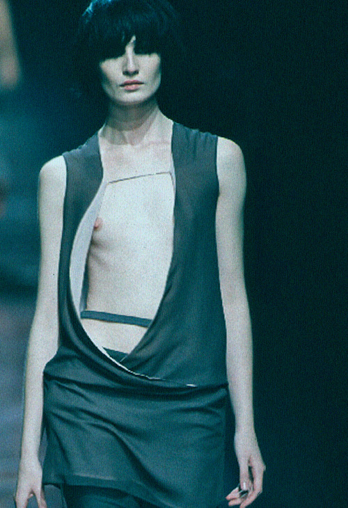 american-idolatry:  Erin O'Connor at Versus S/S 1999