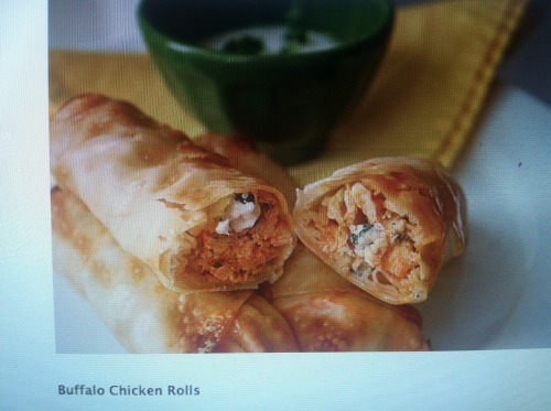 ermahgerd-ferd:  Buffalo Chicken Rolls (Sorry for the crappy picture of a picture on my computer, check the recipe for better)  these look absolutely perfect.