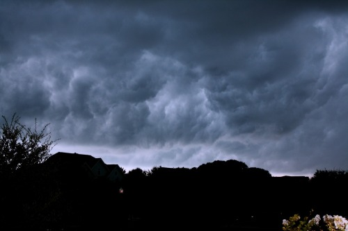 Here is the storm just before all the thunder, lightning and rain started to come down.
