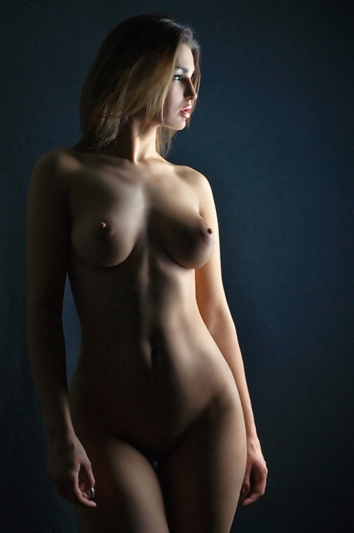 mavickk:  perfect.  eroticgorgeous:  Pretty, sexy & gorgeous girl! MMM!!!