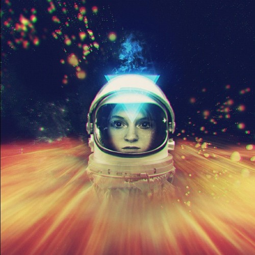 #dope #art #spaceman #space #popular #painting #spacegirl #tumblr #artwork #iphone #iphone3g #iphone4    (Taken with Instagram)