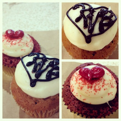 Hokulani Filled Southern RedVelvet & Kahlua Coffee Cupcakes. ✨🍰👍 (Taken with Instagram at Hokulani Bake Shop)
