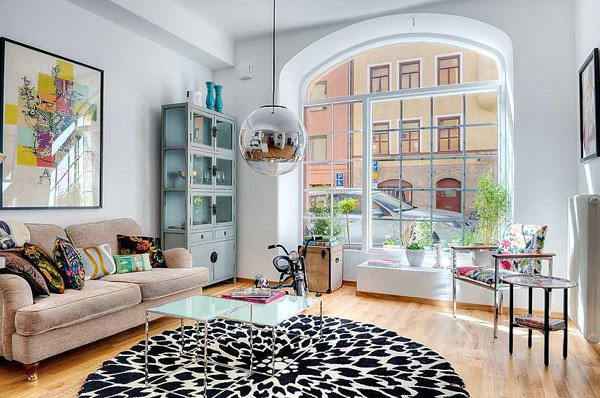 Gorgeous Stockholm apartment with large windows & perfect decor. (via Enpundit)