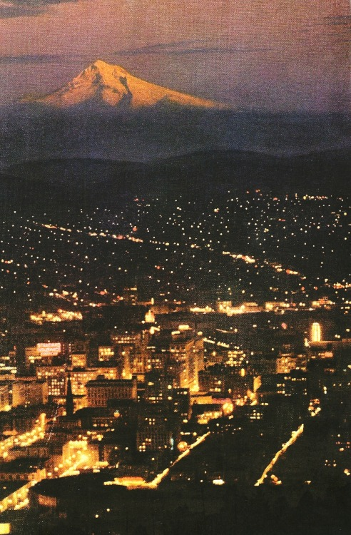 vintagenatgeographic:  Mount Hood  National Geographic | November 1952