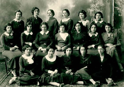 sisterwolf:  The first members of Kanoon Banovaan Iran (Iranian Women's Association)