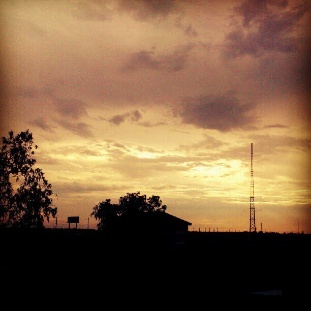 Sunset #instagram #sky #clouds #instagod #sunset #IGersManila  (Taken with Instagram)